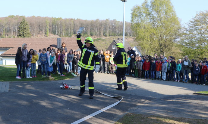 Räumungsübung Grundschule Wilgersdorf_280417_07
